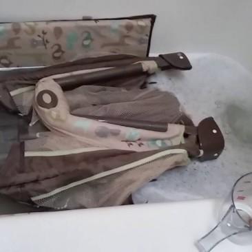 Как самой почистить детскую коляску